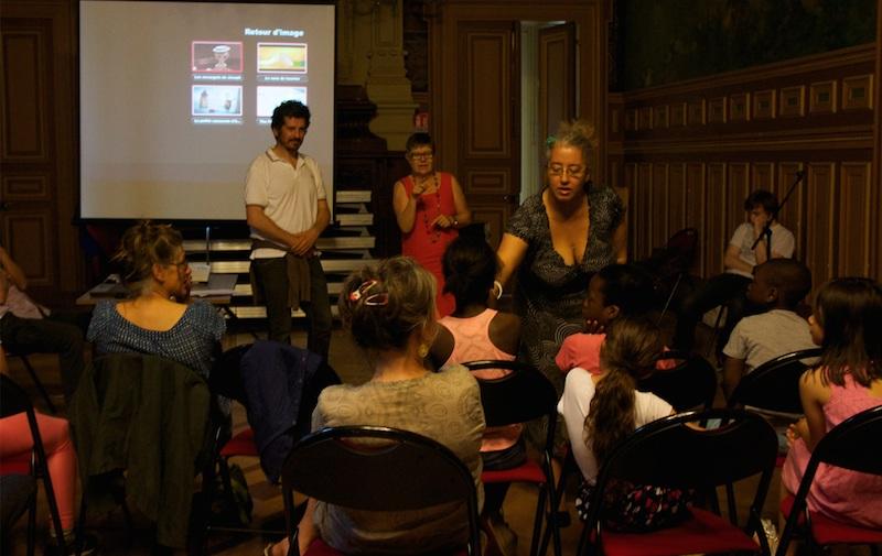 Nadia Meflah passe la parole aux enfants